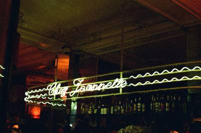 Chez Jeanette Bar in Paris