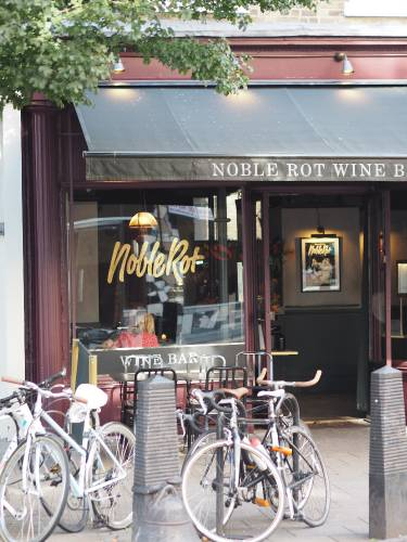 Noble & Rot Wine Bar in London