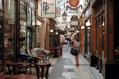 Passage des Panoramas for shopping in Paris